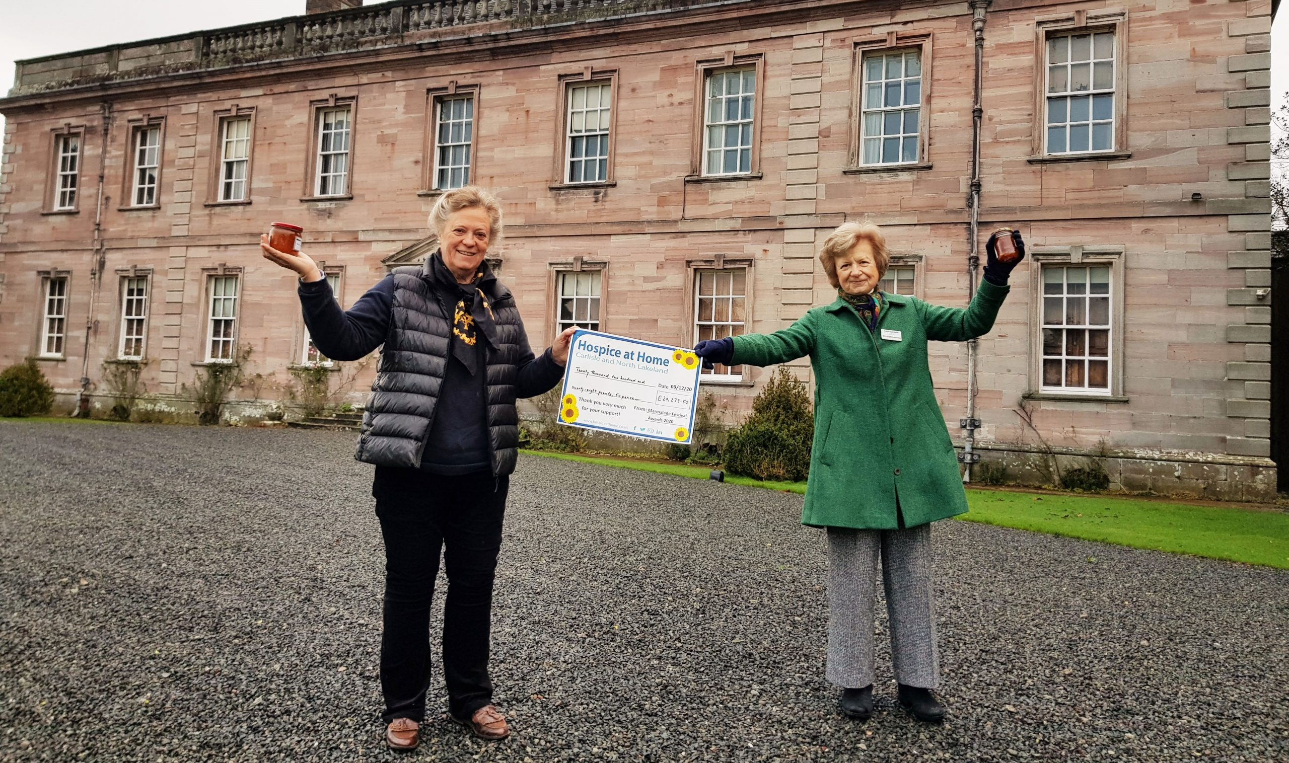 over £120 000 presented to Hospice at Home